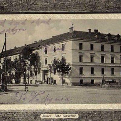 Budynki wojskowe na starych fotografiach