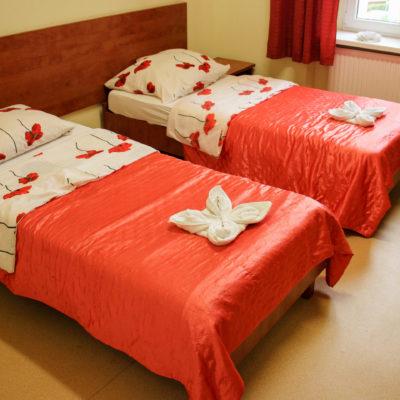Pokoje do wynająceia w schronisku Młodzieżowym w Jaworze