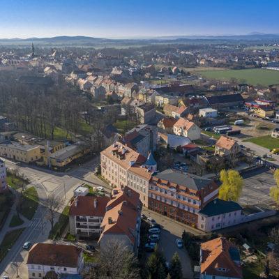 Schronisko Młodzieżowe w Jaworze z lotu ptaka